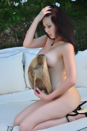 Keridwen massage escorts in Inglewood