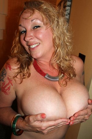 Pricillia mom pov classified ads Chatham ON