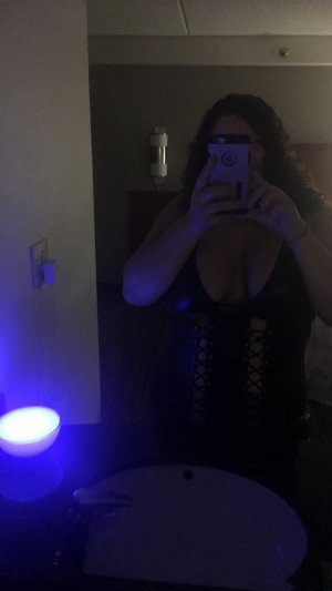 Chiarra fetish escorts in Toledo, OH