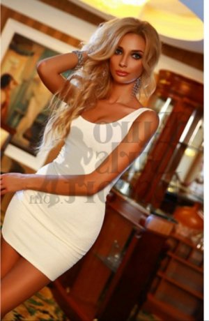 Marie-celestine thick incall escorts in Morton, IL